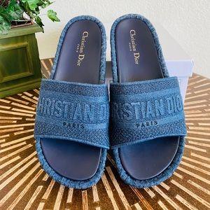 Oblique Embroidered D-Way Platform Sandal …